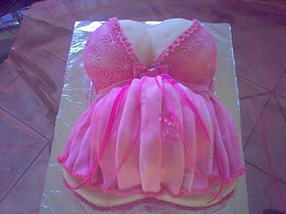 Baby Shower Cakes: Headless Baby Mama Edition