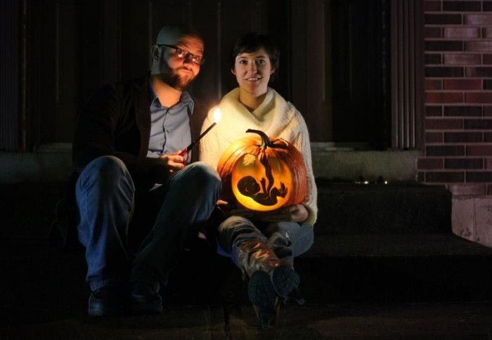 halloween-pregnancy-announcement